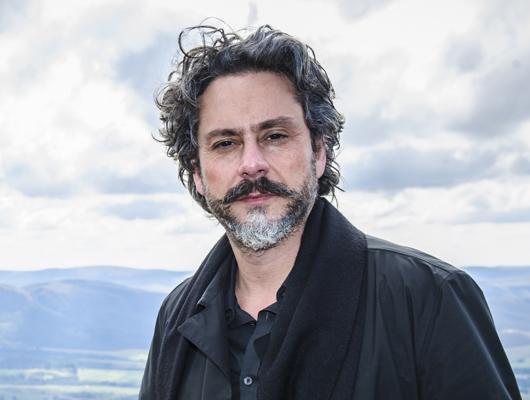 José Alfredo ( Alexandre Nero )